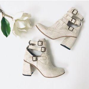HP 🐍 Freebird Teddy ankle boots whitesnake 8